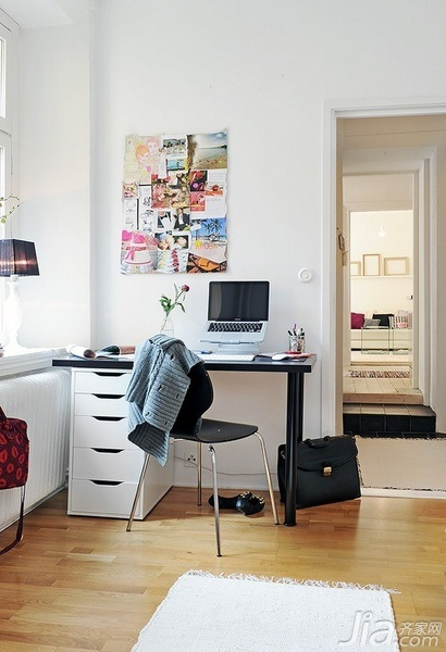 28个北欧风小户型家庭工作室书桌设计14/28