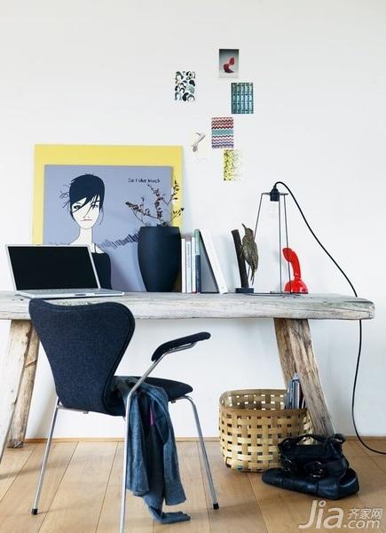 28个北欧风小户型家庭工作室书桌设计15/28