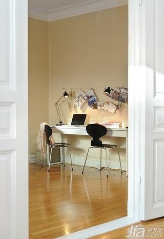 28个北欧风小户型家庭工作室书桌设计17/28