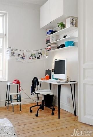28个北欧风小户型家庭工作室书桌设计25/28