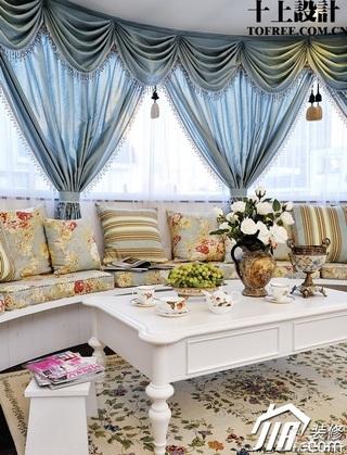 十上欧式风格别墅富裕型窗帘效果图