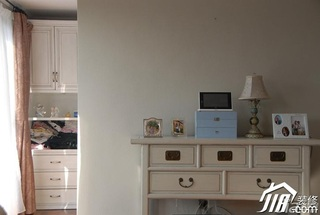 美式乡村风格别墅富裕型卧室梳妆台效果图