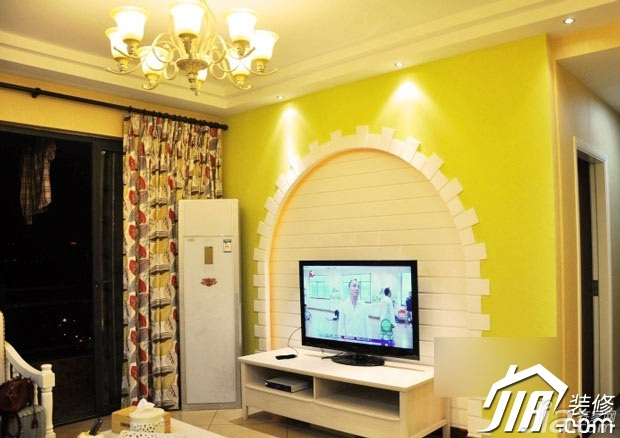 欧式风格公寓温馨10-15万80平米客厅电视背景墙窗帘效果图