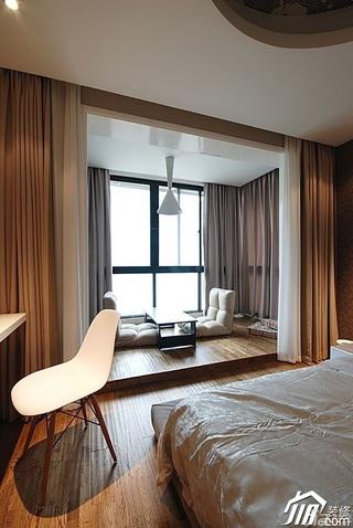 简约风格15-20万130平米卧室地台窗帘效果图
