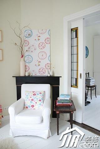 混搭风格别墅简洁经济型沙发背景墙沙发效果图