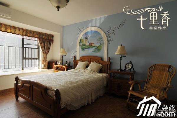 非空新古典风格复式舒适富裕型卧室手绘墙床图片