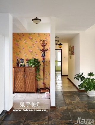鬼手帕田园风格二居室客厅过道收纳柜效果图