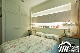 公寓富裕型80平米卧室卧室背景墙衣柜设计