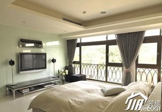 简约风格二居室5-10万卧室床效果图