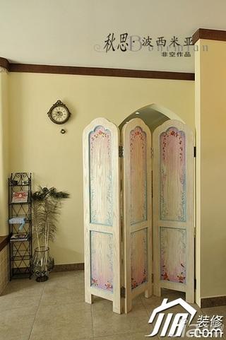 非空东南亚风格公寓温馨屏风图片