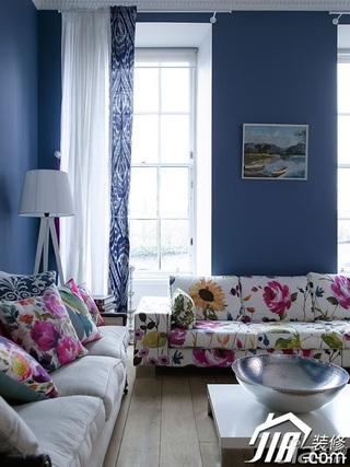 欧式风格公寓富裕型客厅沙发图片