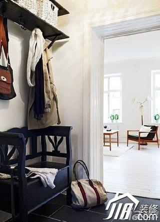 简约风格公寓5-10万60平米木门效果图