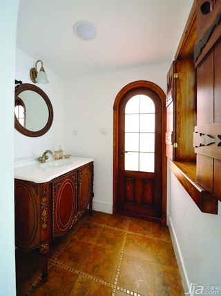 混搭风格别墅白色富裕型卫生间洗手台图片