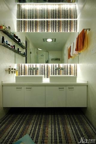 欧式风格二居室白色富裕型卫生间洗手台图片