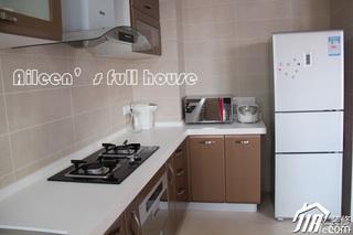 简约风格三居室富裕型厨房橱柜婚房家装图