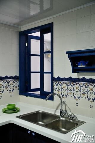 地中海风格复式唯美蓝色经济型厨房装潢