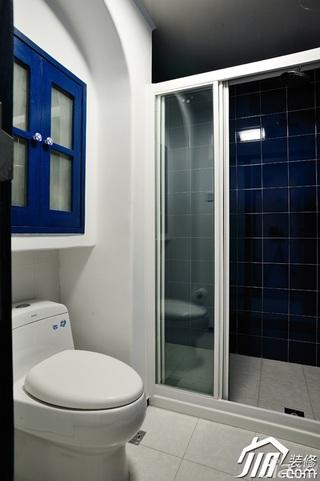地中海风格复式唯美蓝色经济型卫生间浴室柜效果图