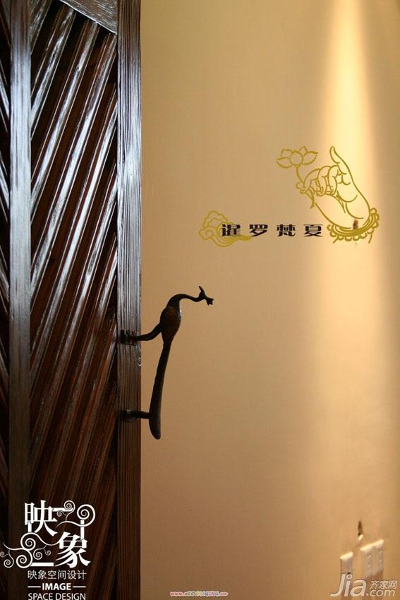 东南亚风格二居室富裕型衣柜设计