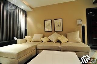 美式风格二居室大气米色富裕型客厅沙发效果图