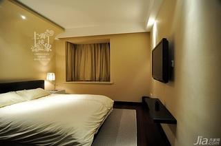 美式风格二居室大气米色富裕型卧室飘窗床效果图