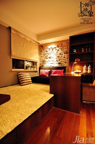 美式风格二居室大气富裕型书房地台书桌效果图