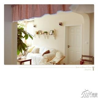 日式风格公寓温馨白色经济型客厅沙发效果图