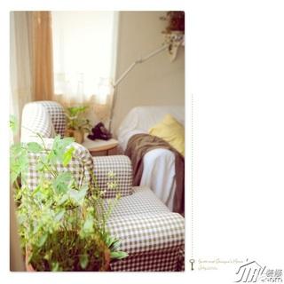 日式风格公寓温馨经济型客厅沙发效果图