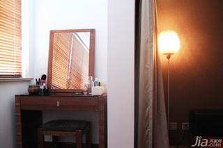 日式风格三居室温馨暖色调富裕型90平米梳妆台效果图