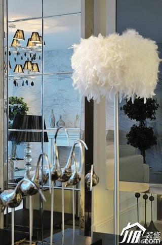 欧式风格四房大气白色富裕型灯具效果图