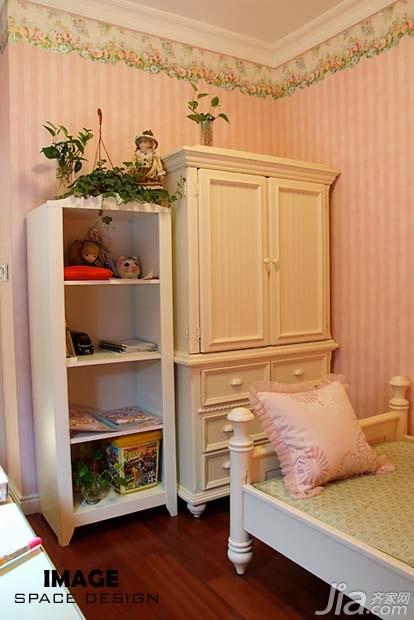 欧式风格二居室浪漫富裕型卧室衣柜设计