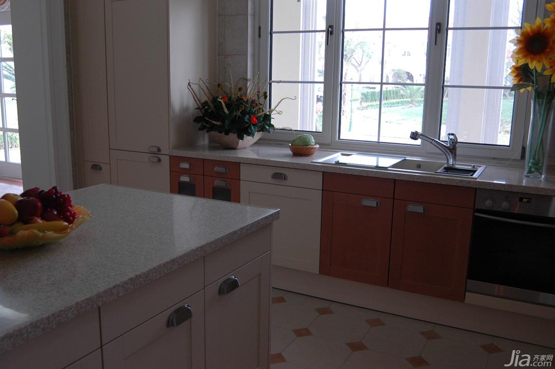 欧式风格别墅奢华白色富裕型厨房橱柜效果图