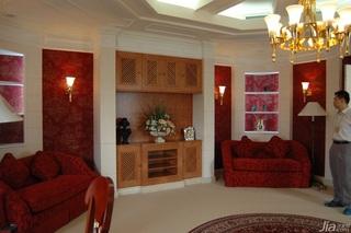 欧式风格别墅奢华白色富裕型吊顶灯具效果图