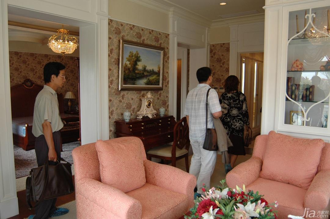 欧式风格别墅奢华白色富裕型卧室沙发效果图