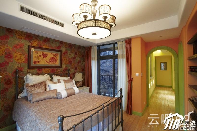 混搭风格别墅奢华红色富裕型卧室床效果图