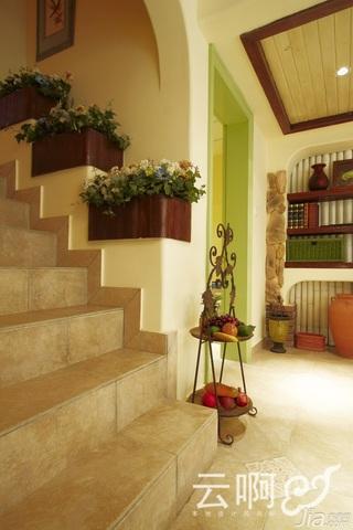 混搭风格别墅奢华红色富裕型楼梯效果图