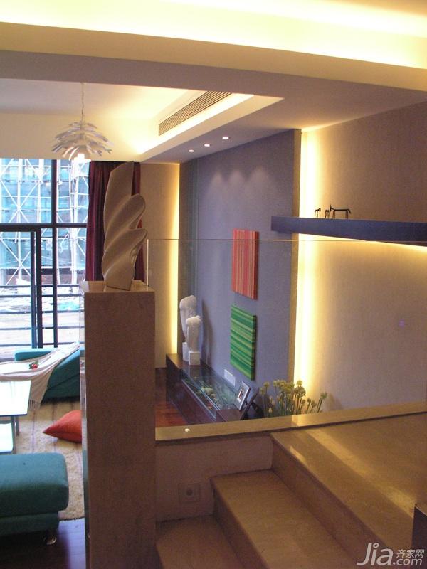 别墅温馨豪华型140平米以上客厅楼梯灯带图片