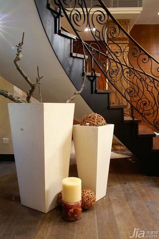 简约风格别墅温馨暖色调豪华型140平米以上楼梯装修图片