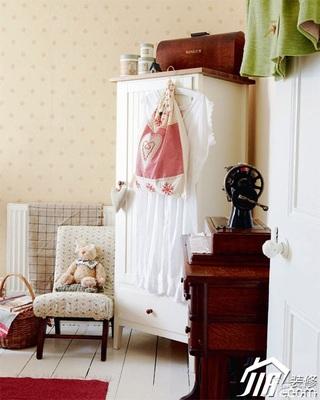 混搭风格小户型舒适经济型客厅衣柜设计图纸
