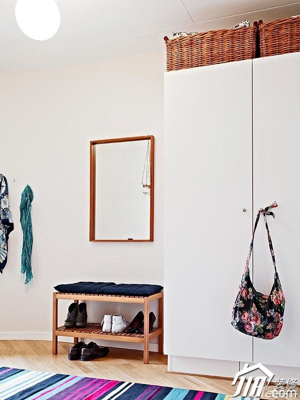 北欧风格公寓简洁白色经济型80平米玄关衣柜安装图