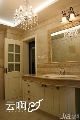 美式乡村风格三居室米色富裕型卫生间灯具效果图