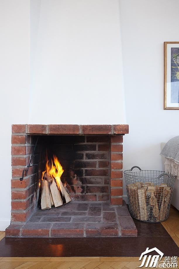 北欧风格二居室经济型客厅壁炉效果图