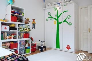 北欧风格二居室经济型儿童房衣柜设计