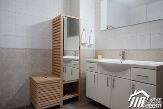 北欧风格公寓经济型卫生间洗手台效果图