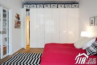 北欧风格二居室经济型80平米卧室衣柜设计图