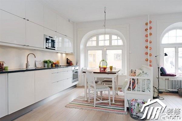 北欧风格公寓简洁白色经济型60平米餐厅橱柜定制