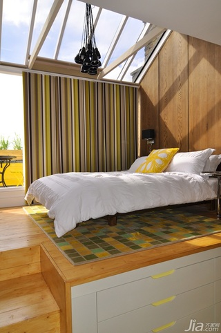 简约风格复式白色经济型阳光房床效果图