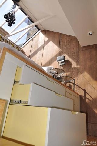 简约风格复式经济型卧室地台灯具效果图
