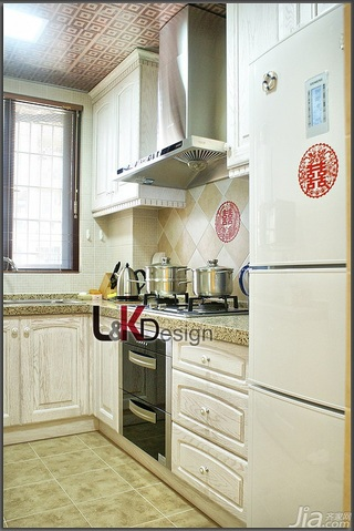 地中海风格小户型温馨暖色调富裕型厨房橱柜安装图