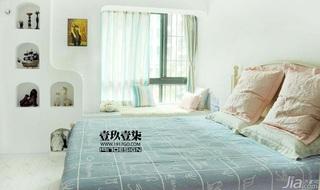 东南亚风格小户型3万-5万卧室飘窗窗帘效果图