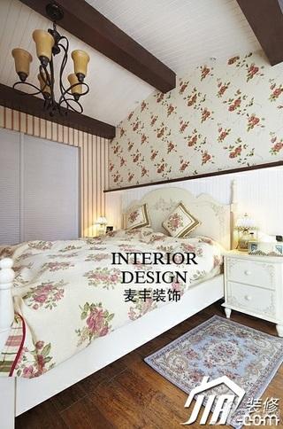 美式乡村风格别墅富裕型120平米卧室床效果图